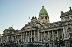 El Ejecutivo convocó a sesiones extraordinarias para tratar la emergencia económica y social