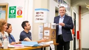Alberto Fernández criticó a Marcos Peña por decir que habrá que esperar el escrutinio definitivo para saber el resultado de la elección