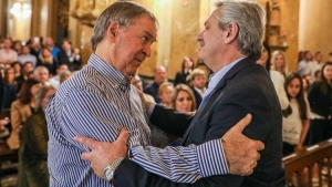 "Alberto Fernández y Schiaretti se reunieron en la misa por De la Sota: ""Córdoba es demasiado importante como para desatenderla"""