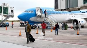 Jujuy recibió el primer vuelo de la temporada turística