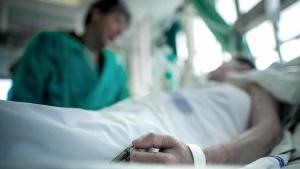 100 personas murieron y 4.184 nuevos casos de coronavirus en el país