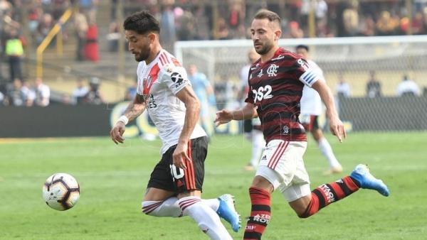 River sufrió dos contras y perdió el título sobre el final ante el Flamengo