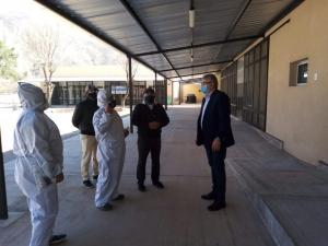 El Gobernador visitó el hospital de campaña de volcán