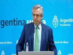 Alberto Fernández analiza extender la cuarentena por un mes más