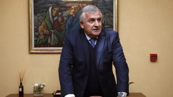 Morales va por la presidencia de la UCR para confrontar con Larreta