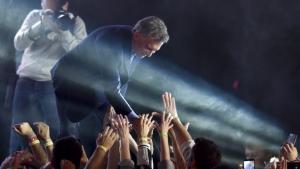 Macri moviliza 400 micros a Dolores para que lo banquen en la indagatoria